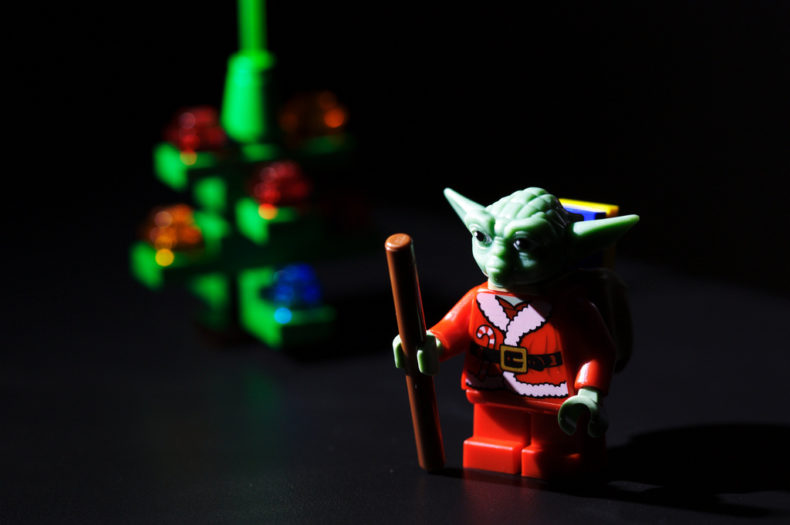 yoda-figurine-dressed-as-santa